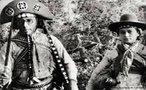 Maria Bonita era o apelido da mulher de Lampião. Batizada como Maria Déia, ela foi criada na pequena fazenda do pai, na região de Jeremoabo, na Bahia, com seus 11 irmãos. Aos 18 anos casou-se com José de Neném, comerciante e sapateiro, mas um dia, em 1931, quando estava de visita à fazenda do pai, o cangaceiro passou por lá com seu bando. Foi amor à primeira vista, de parte a parte, e Maria seguiu com Lampião – ela com pouco mais de 20 anos, ele com 33. <br><br/> Palavras-chave: cangaço, relações de poder, relações culturais, Revolução Constitucionalista, Getúlio Vargas, Estado Novo.
