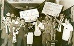Confronto entre estudantes e a polícia durante a ditadura militar. <br><br/> Palavras-chave: ditadura militar, movimentos sociais, movimento estudantil, relações de poder.
