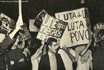 O regime ditatorial implantado no Brasil por meio do golpe civil-militar de abril de 1964, seguido pelos atos institucionais, mergulhou o país nos chamados Anos de Chumbo. A campanha pela anistia, iniciada em meados dos anos 1970, aglutinou movimentos sociais e associações civis, destacando-se o Movimento Feminino pela Anistia (MFPA) e o Comitê Brasileiro pela Anistia (CBA) que lutaram contra a ditadura e pelo restabelecimento da democracia. Esse combate empreendido por diversos setores da sociedade culminou com a aprovação pelo Congresso da chamada Lei de Anistia (Lei n° 6.683, de 28 de agosto de 1979). A lei, no entanto, não significou o fim da luta de vários setores da sociedade. A forma como se definiu a anistia no Brasil implicou a continuidade da mobilização e a impossibilidade de esquecimento. O debate permanece nos meios políticos e acadêmicos, assim como permanece a batalha pela busca de reparação para familiares dos mortos e desaparecidos, bem como pela abertura dos arquivos militares. <br><br/> Palavras-chave: anistia, censura, democracia, direitos humanos, ditadura civil-militar, movimentos sociais, violência.