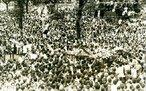 Confronto entre estudantes e a polícia no ano de 1968. <br><br/> Palavras-chave: ditadura militar, movimentos sociais, movimento estudantil, relações de poder.