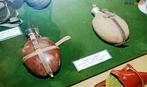 Cantis alem�es utilizados na Segunda Guerra Mundial, exemplares expostos no Museu do Expedicion�rio em Curitiba - Paran�. <br><br/> Palavras-chave: rela��es de poder, For�as Armadas, Ex�rcito Brasileiro, For�a Expedicion�ria Brasileira, armas, Museu do Expedicion�rio, Curitiba, Paran�.