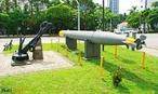 Torpedo e �ncora utilizados pela FEB durante a Segunda Guerra Mundial, expostos no Museu do Expedicion�rio em Curitiba - Paran�. <br><br/> Palavras-chave: rela��es de poder, Estado, For�as Armadas, Ex�rcito Brasileiro, For�a A�rea Brasileira, For�a Expedicion�ria Brasileira, Museu do Expedicion�rio, Curitiba, Paran�.