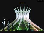 Constru�da para ser um centro religioso ecum�nico, a obra de Oscar Niemeyer foi inaugurada em 1967 e, desde ent�o, encanta por suas linhas modernas, muito distintas das formas tradicionais das outras igrejas. O monumento de 40 metros de altura � sustentado por 16 arcos de concreto armado, circundados por um espelho d'�gua. <br><br/> Palavras-chave: rela��es culturais, Oscar Niemeyer, igrejas, ecumenismo, arquitetura, Distrito Federal.