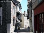 Plymouth, � a maior cidade do condado de Devon localizado na Cornualha, sudoeste da Inglaterra. O nome da cidade vem do fato de que a cidade est� localizada na boca (mouth) do Rio Plym. � uma cidade portu�ria e tem uma popula��o de 244.000. <br><br/> Palavras-chave: rela��es de produ��o, rela��es de poder, rela��es culturais, Estado, cidade hist�rica, Cornualha, Inglaterra, revolu��o industrial, capitalismo.