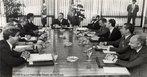 José Ribamar Sarney de Araújo Costa foi 31º presidente do Brasil, de 1985 a 1990. Sarney assumiu a presidência após o falecimento de Tancredo Neves. <br><br/> Palavras-chave: relações de poder, poder executivo, governo, república, Brasil.