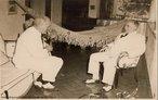 Getúlio Dorneles Vargas se tornou presidente do Brasil após a Revolução de 1930, que pôs fim à República Velha depondo o 13º e último presidente da República Washington Luís. Foi presidente da República do Brasil em dois períodos: o primeiro teve duração de 15 anos ininterruptos (1930 a 1945) e em 1951 se tornou presidente governando até sua morte em 1954. <br><br/> Palavras-chave: relações de poder, poder executivo, governo, república, Brasil, Revolução de 1930, Estado Novo.
