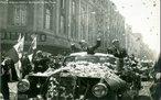 João Belchior Marques Goulart, conhecido popularmente como Jango foi vice-presidente de Juscelino Kubitschek (1956 a 1961). Em 1961, após a renúncia de Jânio Quadros, Jango tornou-se o 24° presidente do Brasil. Governou até 1964, quando o exército brasileiro tomou o poder por meio de um golpe de Estado.<br><br/> Palavras-chave: relações de poder, poder executivo, governo, república, ditadura militar, Brasil.